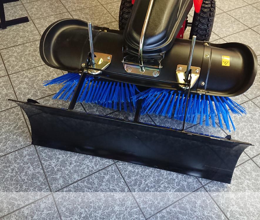 Schneekehrmaschine  Winterpaket Tielbürger Kehrmaschine TK48